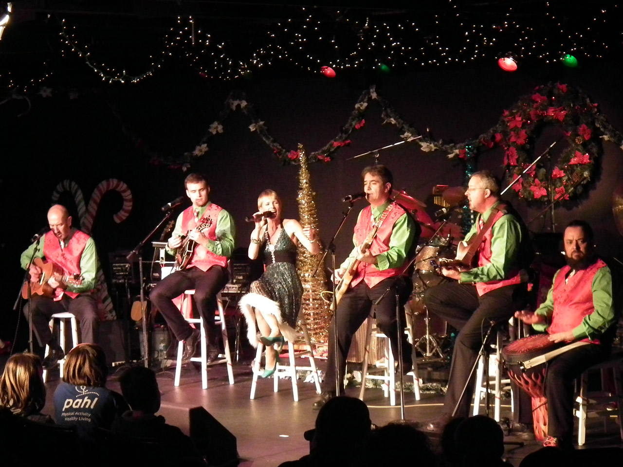 Big swinging christmas show